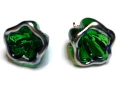 2 Christmas Flower Charms, Emerald Green Lampwork Glass Charms in a Bell Flower Shape for Jewelry De, Handmade Beads, Handmade Gifts, Flower Shape, Jewelry Making Supplies, Beaded Flowers, Lampwork Beads, Emerald Green, Glass Beads, Blog