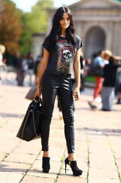 how to wear a black band tee