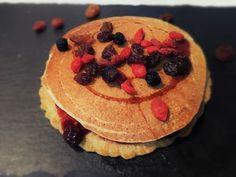 pancake vegani-pancake con farina d' avena- ricetta vegana-pancake senza uova; ricette vegane light; alimentazione vegana; dieta vegana