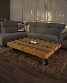 Coffee table design over is a really admirable and modern styles. Hope you get the idea or ideas for your modern coffee table. Coffee Table Design, Diy Coffee Table, Rustic Coffee Tables, Brown Furniture, Diy Furniture, Diy Tisch, Table Cafe, Wood Table, Living Room Decor
