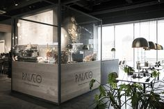 Palæo – Primal Gastronomi is a healthy fast food concept with a strong focus on fresh and unprocessed produce. This DNA has been accentuated in the new design and interior concept by Johannes Torpe Studios through the creation of a warm and welcoming universe for their growing customer basis.