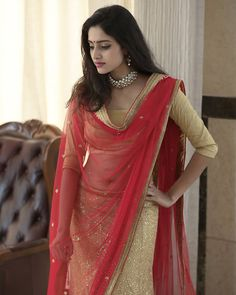 Sathya is a ZEE Tamil family television series starring Sayyeshaa, Vishnu, and others. Sathya Series actress Ayesha's New Hot Images. Beautiful Girl Indian, Beautiful Girl Image, Most Beautiful Indian Actress, Beautiful Saree, Cute Beauty, Beauty Full Girl, Beauty Women, Sonam Kapoor, Deepika Padukone