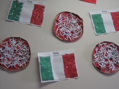 Italy crafts: pizza and Italy flag