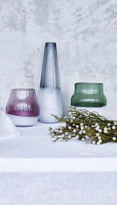 Sleek and stylish, this vase makes a subtle yet striking addition to your home accessories.
