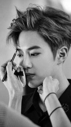 Uploaded by Nur BaekYeol. Find images and videos about kpop, exo and baekhyun on We Heart It - the app to get lost in what you love. Suho Exo, Exo Ot12, Kpop Exo, K Pop, Kim Joon Myeon, Kim Jong Dae, Def Not, Exo Korean, Korean Guys