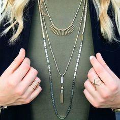 Le collier RIAD est un 3 en 1 intemporel  en or doux et argent ET 2 matières différentes il va avec presque toutes les tenues