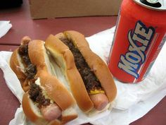 Flo's hot dogs, Cape Neddick, Maine.