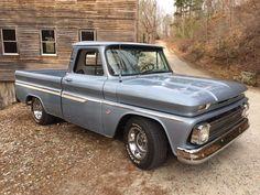 Just don't make them like the old days: Photo Classic Pickup Trucks, Chevy Pickup Trucks, Gm Trucks, Chevrolet Trucks, 1963 Chevy Truck, Vintage Chevy Trucks, Hot Rod Trucks, Cool Trucks, Old Chevy Pickups