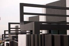 Hoy desde el estudio de arquitectura A-cero os dejamos nuevas imágenes finales de la promoción de viviendas adosadas diseñada enubicadas en Torre del Mar (Málaga), paraGreen9 Cool Homes. Estas viviendas de 125 m2 están divididas en dos niveles: planta baja y planta alta. Para más información sobre la promoción, podéis contactar con la inmobiliaria en: green9-coolhomes.com|+34 952.546.629 | C/ Del Mar, 68 29740 Torre del Mar Málaga, Costa del Sol. GREEN 9 COOL HOMES BY A-CERO CROQUIS…
