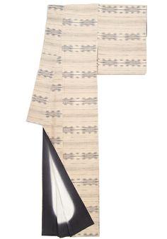 横絣がシックな紬のお着物