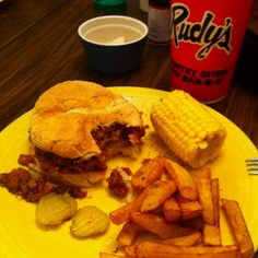 Rudys BBQ the best TEXAS Food Food Places, Best Places To Eat, Sandwich Buffet, Texas Bbq, Barbecue Ribs, Filling Food, Baked Beans, Sweet Tea, Spicy Recipes