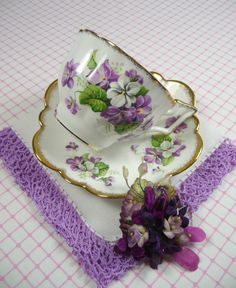purple and white Vintage Tea Cup & Saucer, Purple Violets Hankie and Millinery Flower . Tea Cup Set, My Cup Of Tea, Cup And Saucer Set, Tea Cup Saucer, Tea Sets, China Tea Cups, Teapots And Cups, Cuppa Tea, Tea Time