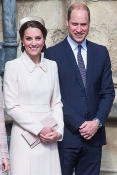 Kate Middleton Curtsies the Queen During Easter Service With Prince William
