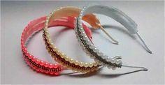 tiara fina de pérolas com strass, um luxo para as princesas, como arco flexível, nas cores rosa com dourado, branco com prata e marfim com dourado