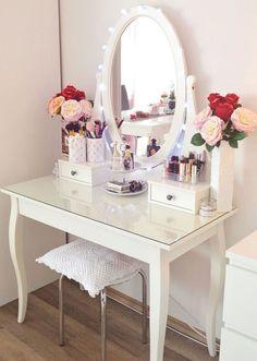 #BeautyStorage #MakeUpStations #MakeupRoom Makeup Dresser, Makeup Vanity Case, Makeup Vanity Decor, Makeup Desk, Makeup Rooms, Ikea Makeup, Diy Makeup Table Ideas, Desk Ideas, Home Design