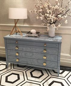 Another bold floor design. Loving this look by… Floor Design, House Design, Condo Remodel, Vogue Living, Interior Decorating, Interior Design, Dresser As Nightstand, Elle Decor, Interior Inspiration