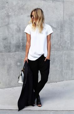 Minimal look | Simple white shirt and boyfriend pants