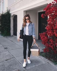 43 Simple and Casual Airport Outfit Ideas and Style # Casual Summer Outfits, Simple Outfits, Spring Outfits, Casual Wear, Cute Outfits, Dress Casual, Women Casual Outfits, Simple Ootd, Spring Ootd