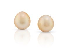 Golden South Sea Pearl pair from the Daniel Moesker pearls Collection !