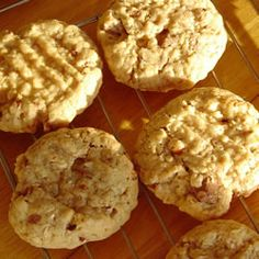 Bobbie's Oatmeal Cookies     These are the BEST oatmeal cookies ever!    I like to mix things up by adding different ingredients like; pumpkin pie spice, chocolate chips, peanut butter etc.  You will NOT be disappointed with this recipe. Enjoy.