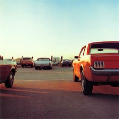 William Eggleston - (http://oscarenfotos.com/2013/10/19/william-eggleston-y-su-mundo-de-color/)