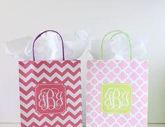 DIY Monogram Gift Bags with free printables from printablemonogram.com