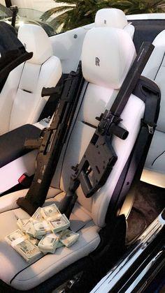 Money Stacks Cake - Mexican Money Lei - - Money Tips Making Gun Aesthetic, Badass Aesthetic, Bad Girl Aesthetic, Mafia, Fille Gangsta, Luxury Lifestyle Fashion, Applis Photo, Rolls Royce, Belle Photo