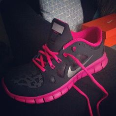 Girly pink nike run shoes     Want these #nike #shoes! Maybe they will motivate me to work out more! :)
