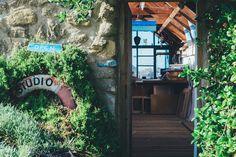 How to Set Up a Home Art Studio on A Budget - Skillshare Art Studio At Home, Home Art, Manchester, Office Pictures, Floor Standing Lamps, Studio Setup, Workshop Studio, Diy Workshop, Living Environment