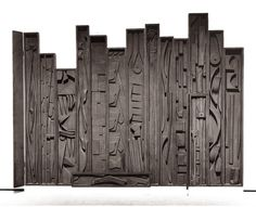Louise Nevelson was an American sculptor known for her monumental, monochromatic, wooden wall pieces and outdoor sculptures. Louise Nevelson, Wall Sculptures, Sculpture Art, Outdoor Sculpture, Public Art, Box Art, Painting On Wood, Wall Design, Art History