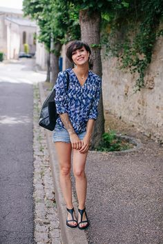Paint print shirts, earthy jewellery, loosely structured denim shorts