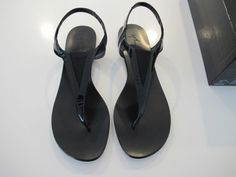 Auth Giuseppe Zanotti Janis 10 Black Patent Flat Thong Sandals Shoes