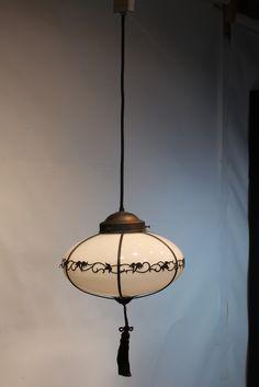 蔦模様の帯で一周優雅に装飾をした電笠 DB0341
