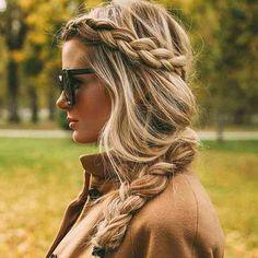 Trend voor de winter 2015! Stralende blonde kapsels en vlechten! Tip : maak een online afspraak www.marleensegers.be Deze haarkleur is een high & low lights techniek van onze #avedakleuringen #