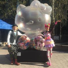 Japanese artist Sebastian Masuda Official (of 6%DOKIDOKI / Kyary Pamyu Pamyu (Official FB for Fans) fame) debuted his nine foot tall Hello Kitty time capsule sculpture to New York City this last weekend! The giant Kitty will be on display until September 13, 2015, at Dag Hammarskjöld Plaza East 47th Street between 1st Avenue and 2nd Avenue.
