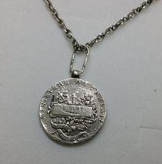 Médaille Argent Medaille L. SURY  Francaise SK383 von Atelier Regina auf DaWanda.com