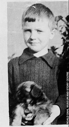 ÜNLÜ YAZARLARIN BEBEKLİK FOTOĞRAFLARI   Eskimeyen Kitaplar #RoaldDahl #childhood #dog