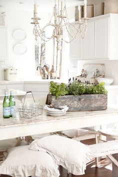 Shabby, rustic kitchen. Very pretty.