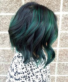 Pretty Peacock Green Hairstyles 2016 http://www.setteroftrends.com #hairstyles #hairtrends #hair