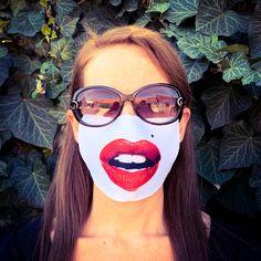 Piros rúzsos száj mintás szájmaszk   Többször használatos, mosható szájmaszk.   Mérete: 17 cm széles, 9 cm magas,  az orr résznél középen 12 cm magas.   Ár: 2.032 Ft.-  #pirosrúzsosszáj #viccesszájmaszk Marvel, Sunglasses, Fashion, Moda, Fashion Styles, Sunnies, Shades, Fashion Illustrations, Eyeglasses