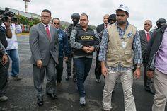 Comisión inicia hoy trámite por juicio político a Augusto Espinosa - The Trendy Type