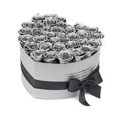 LOVE box - silver - silver ETERNITY roses silver eternity roses - the million roses Billion Roses, Yellow Cream, Lemon Yellow, Most Popular Flowers, New Years Wedding, Preserved Roses, Love Box, Cream Wedding, Gold Sparkle