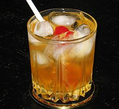 Amaretto Sour | Hampton Roads Happy Hour