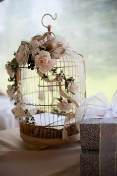 .After looking at hundreds of birdcages I think this is how I will decorate Aunt V's little ole cage!