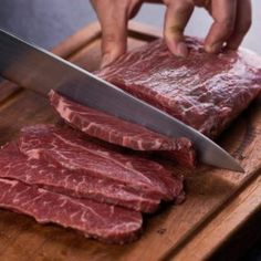 The Top 5 best healthy fat foods which you should include in your diet. These foods have great health benefits and also help fighting some serious diseases. Healthy Fats Foods, Fat Foods, Health Benefits, Steak, Nutrition, Beef, My Favorite Things, Top, Internet