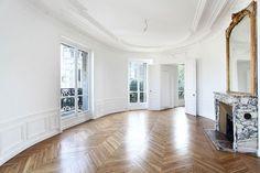 Haussmann levererar ny Pariscraving – sekelskifteslägenhet med utsikt i centrala Paris Paris Architecture, Empty Room, Alcove, Rooms, Interior, House, Bedrooms, Indoor, Home