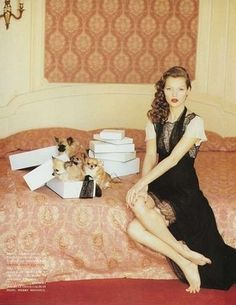 Kate Moss wearing Chanel and Yves Saint Laurent. Styled by Anna Dello Russo Hair by Serge Normant Make Up by Marie-Josée Lafontaine. Photographed by Arthur Elgort in Vogue Italia September by vintage_vogue Arthur Elgort, Anna Dello Russo, Moss Fashion, Kate Moss Style, Original Supermodels, Milan Fashion Weeks, London Fashion, Vogue Magazine, Vintage Vogue