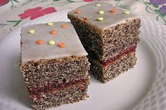 Yogurt - poppy seed cake Source by Low Fat Cake, Cake Varieties, Poppy Seed Cake, Types Of Pastry, Bon Dessert, Different Cakes, Yogurt Recipes, Fancy Cakes, Sweet Cakes
