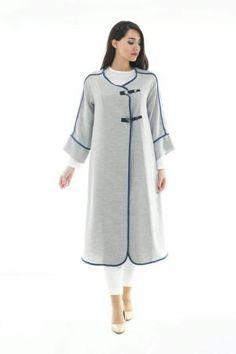 coat with asymetrical closure Tesettür Tunik Modelleri 2020 Abaya Fashion, Muslim Fashion, Modest Fashion, Fashion Dresses, Muslim Dress, Hijab Dress, Hijab Outfit, Designer Wear, Designer Dresses