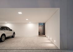 Spotted, the perfect minimalist carport - Grecia house by Isay Weinfeld Garage Design, Exterior Design, House Design, Garage House, Garage Room, Mediterranean Doors, Garage Workshop Plans, Sectional Garage Doors, Casa Retro